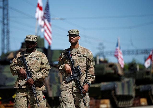 M1A2 Abrams nos exercícios conjuntos dos EUA e Geórgia em 5 de maio, 2016