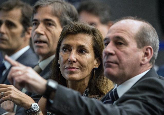 Maria Silvia Bastos Marques assiste a conferência dedicada a Jogos Olímpicos no Rio de Janeiro