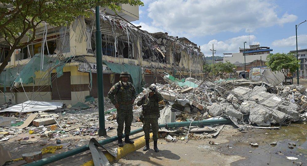 Cidade equatoriana de Portoviejo após terremoto em 16 de abril de 2016