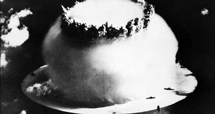 Explosão nuclear no Atol de Bikini
