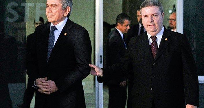 Presidente do STF e senadores definem próximas etapas do processo de impeachment