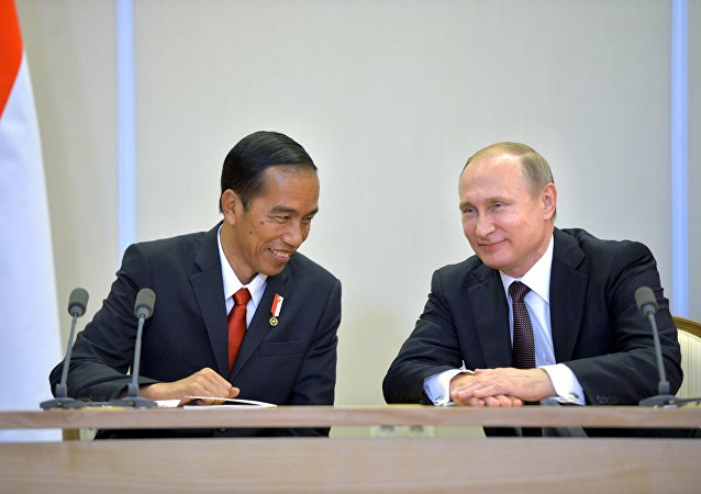 Presidente da Indonésia, Joko Widodo, e presidente da Rússia, Vladimir Putin
