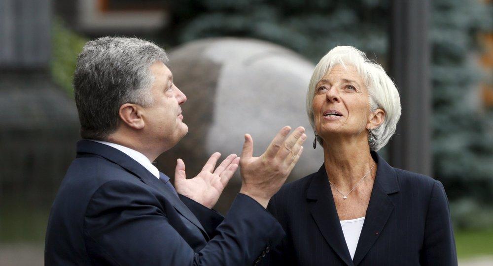 Presidente ucraniano Pyotr Poroshenko e o diretor do FMI, Christine Lagarde em Kiev, em 6 de setembro, 2015