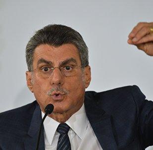 Jucá vai se licenciar do cargo de ministro do Planejamento.
