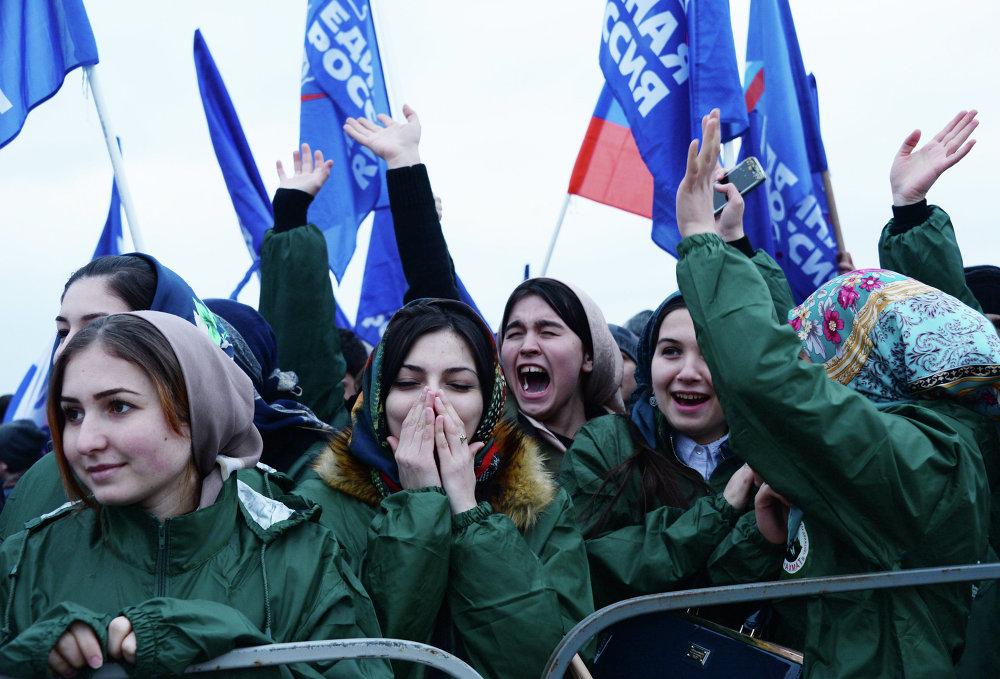 Comemoração do primeiro aniversário de reunificação da Crimeia com a Rússia em Grozny, na Chechênia