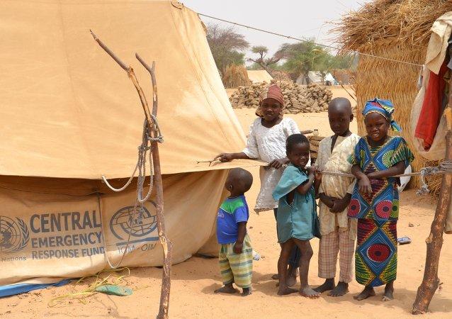 Refugiados nigerianos em Mainé-Soroa, no Níger, em foto de abril de 2014