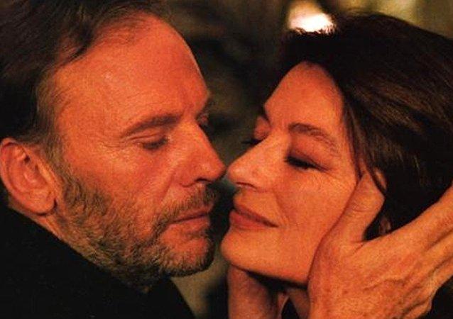 Filme Um Homem e uma Mulher, de Claude Lelouch o homenageado do festival.