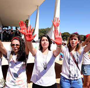 Caminhada das Flores repudia abuso e agressões contra as mulheres em Brasília, 29 de maio de 2016