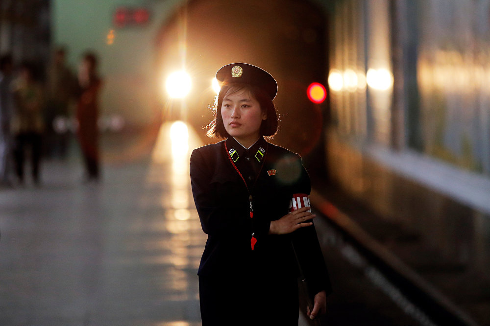 Passeio pelo metrô de Pyongyang