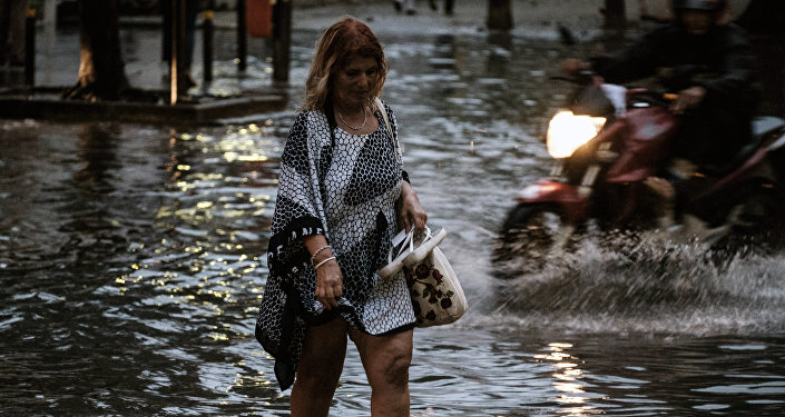 Chuva no Rio em março de 2016 também alagou as ruas