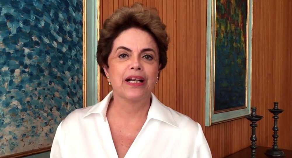 Em redes sociais Dilma fala da entrega de defesa hoje no processo de impeachment no Senado
