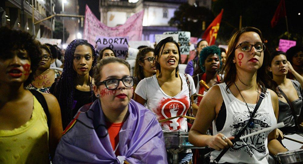 Manifestação contra a cultura do estupro no Rio de Janeiro