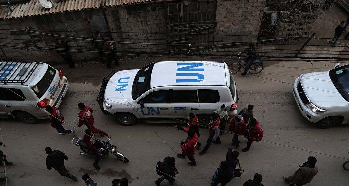 Veículos da ONU na região síria de Ghouta Oriental (arquivo)