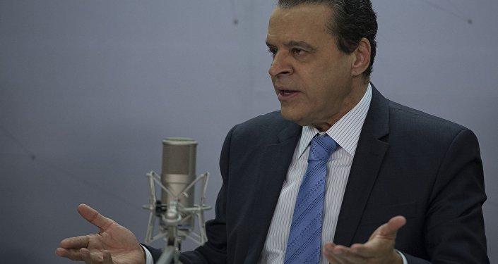 Denúncias de propina tiram Henrique Eduardo Alves do Ministério do Turismo