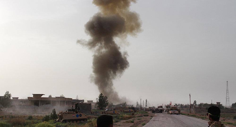 Combatentes das forças governamentais do Iraque participam de operação contra Daesh nos arredores de Fallujah