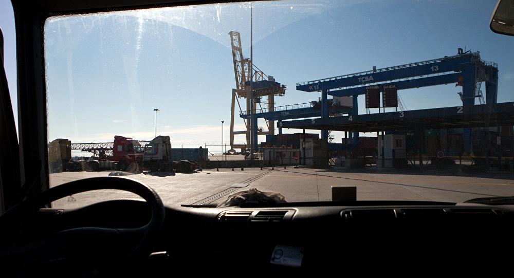 Em 9 de janeiro de 2012, começava outra greve de estivadores em Portugal, no porto de Lisboa