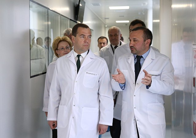 Dmitry Medvedev no Complexo científico-tecnológico de Biocad