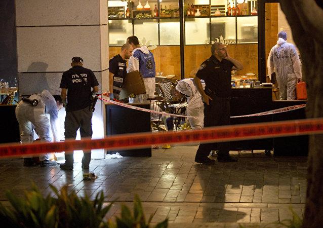 Polícia de Israel analisa local de atentado em mercado no centro de Tel Aviv - 8 de junho de 2016