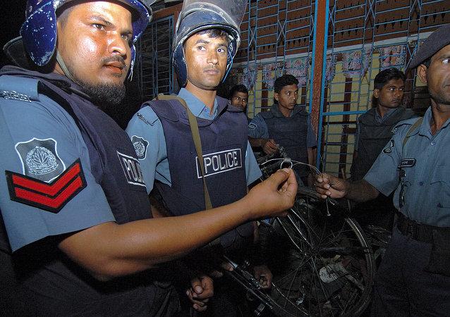 polícia de Bangladesh