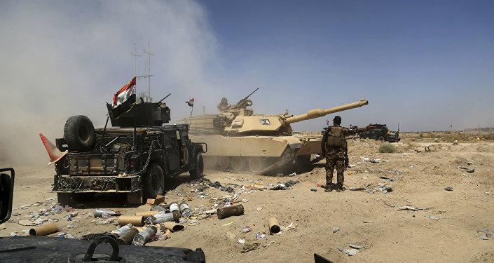 Foto de arquivo: As forças militares do Iraque preperam a missão de reconquista da cidade de Fallujah
