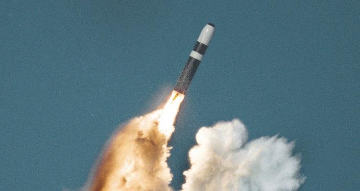 O lançamento de míssil submarino Trident II
