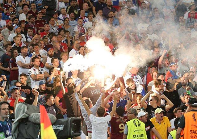 Tumultos no jogo entre Inglaterra e Rússia no Euro 2016, Marselha, França