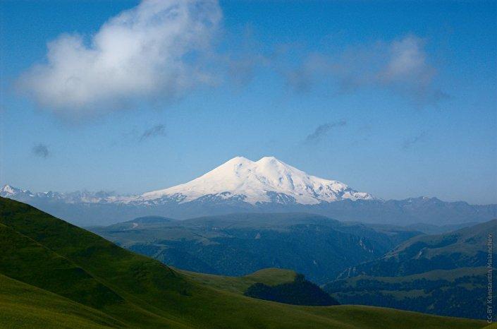 Elbrus, a montanha mais alta da Europa, Rússia e de toda a cordilheira do Cáucaso