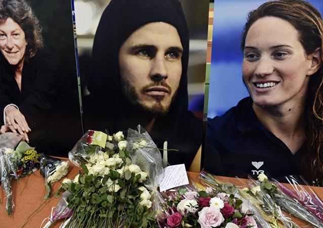 Homenagem aos atletas franceses Florence Arthaud, Alexis Vastine e Camille Muffat