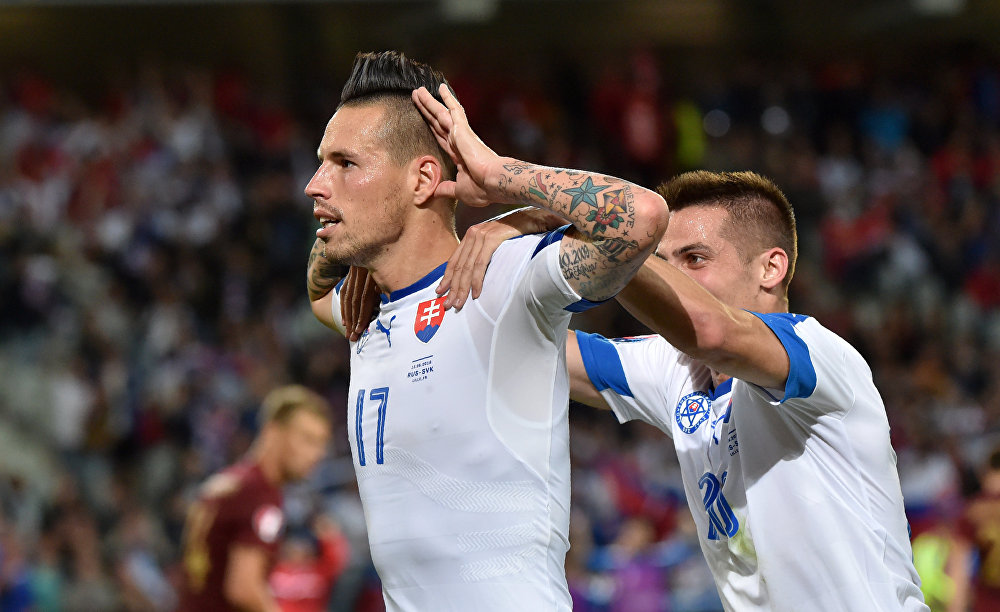 Marek Hamsik festeja depois de marcar o segundo gol da Eslováquia sobre a Rússia