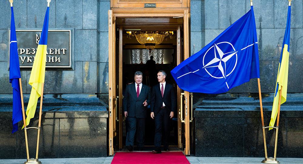 Reunião do presidente da Ucrânia Poroshenko com o Secretário Geral da OTAN Stoltenberg