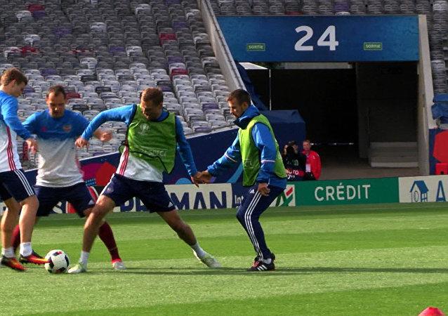 Jogadores russos se preparam para jogo contra País de Gales