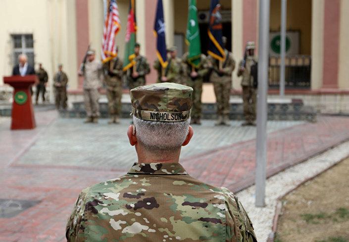 Em 2 de março de 2016, o general do exército dos EUA John W. Nicholson assistiu à cerimônia de inauguração do novo comando da missão Resolute Support em Cabul