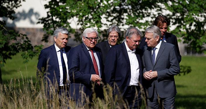Ministros das Relações Exteriores dos países fundadores da UE durante uma reunião em Berlim