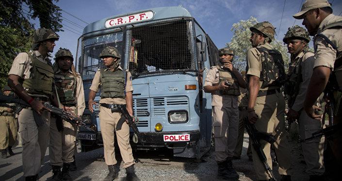 Forças de segurança da Índia em Pampore, nos arredores de Srinagar, Caxemira (imagem referencial)