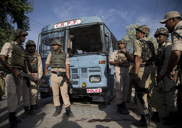 Forças de segurança da Índia em Pampore, nos arredores de Srinagar, Caxemira (arquivo)