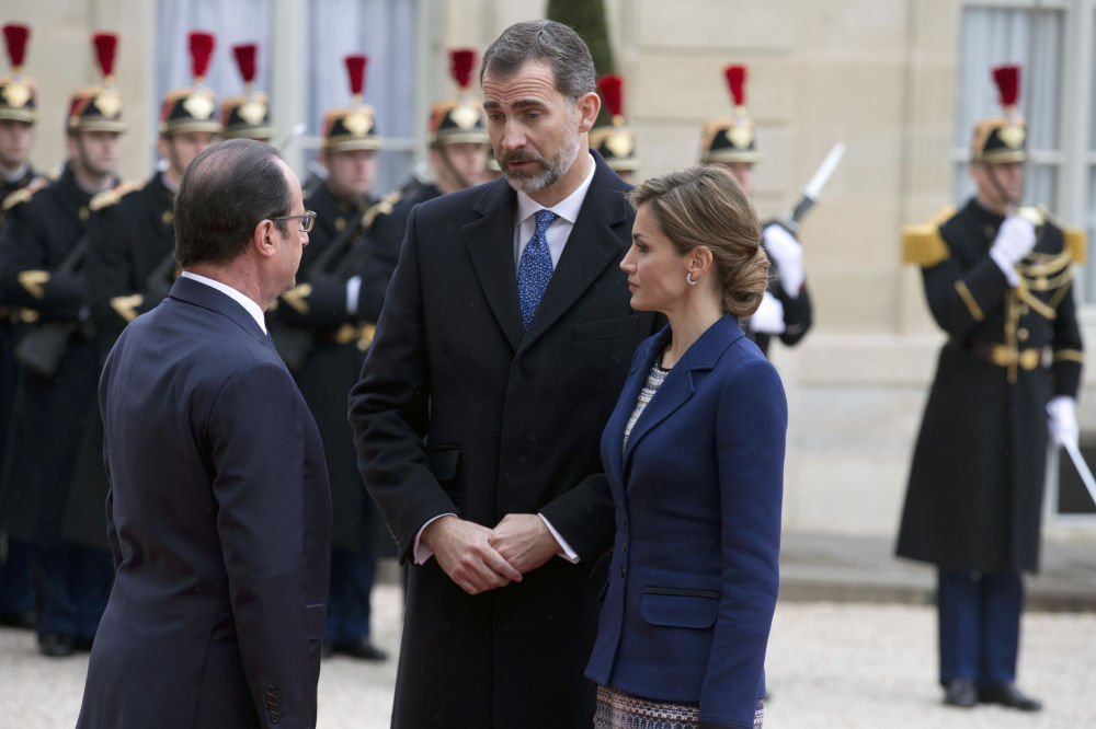 François Hollande, Filipe VI da Espanha e rainha Letícia da Espanha em Paris