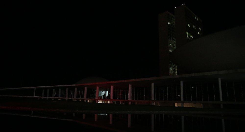 Apagão em Brasília suspende depoimentos sobre impeachment