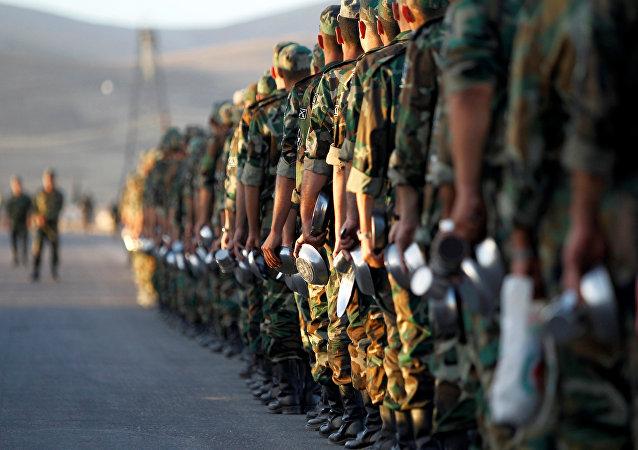 Recrutas do grupo rebelde Novo Exército Sírio