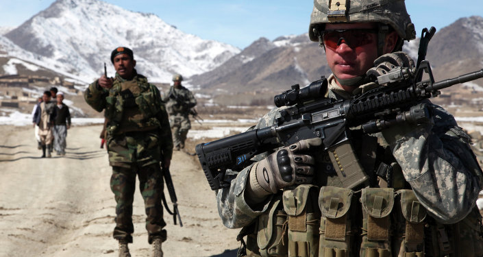 Tropas dos EUA e do Afeganistão na cidade de Yawez