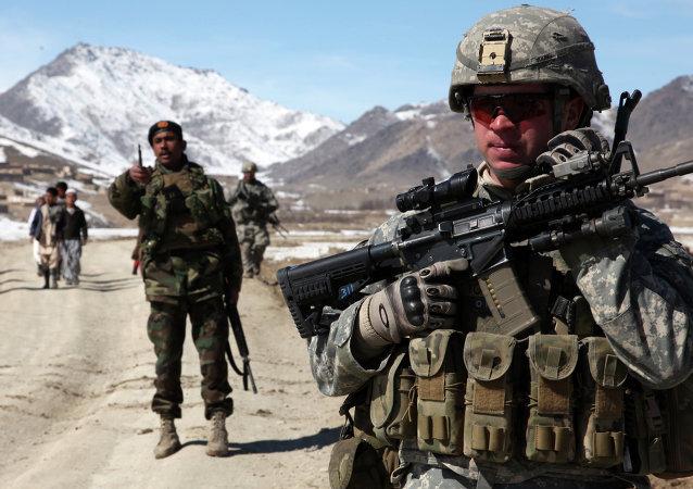Tropas dos EUA e do Afeganistão na cidade de Yawez (imagem referencial)
