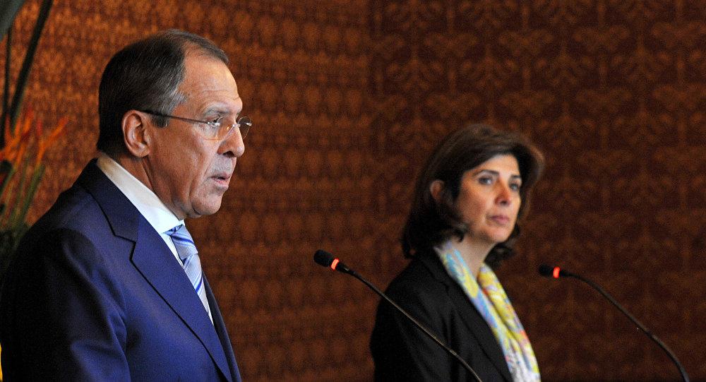 Serguei Lavrov e María Ángela Holguín durante reunião da terça-feira