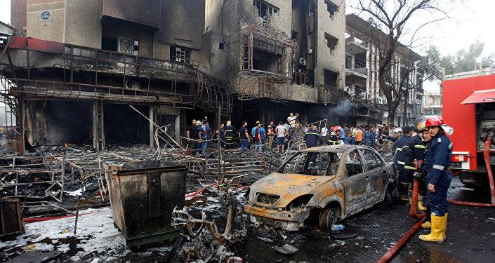 Local de explosão de carro-bomba, em Karrada, Bagdá, Iraque (Arquivo)