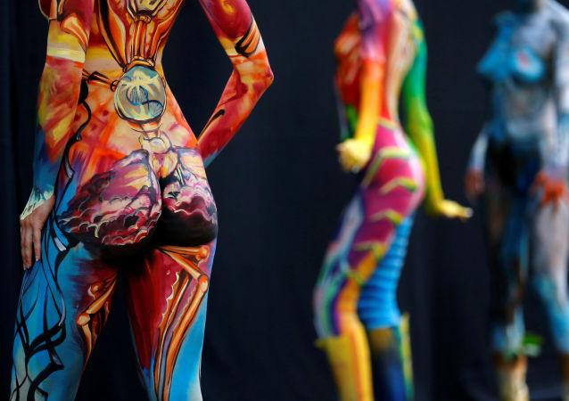 Modelos posam durante o Festival Mundial de Bodypainting em Portschach, no dia 1 de julho de 2016
