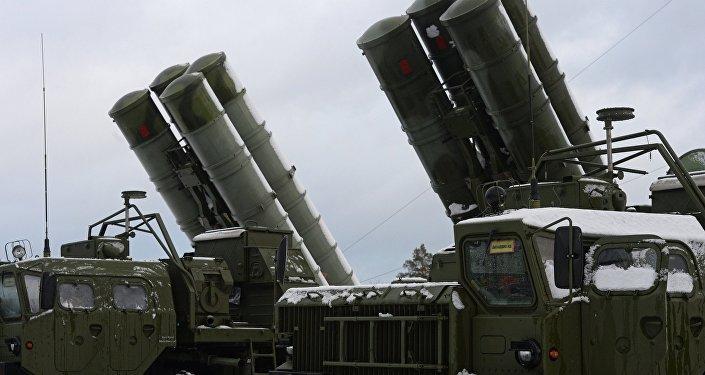 Sistema de míssies antiáreos russo S-400 Triumf, região de Moscou, Rússia