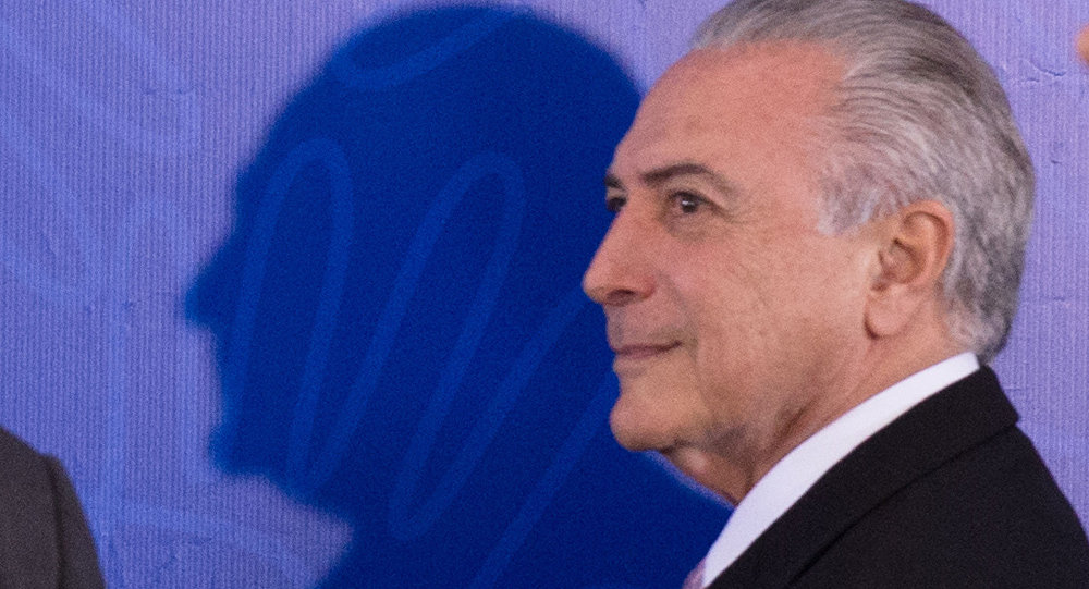 Senadores acham que renúncia de Cunha é 'acordão' e manobra de Temer para manter mandato