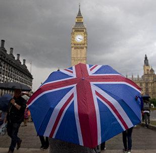 Peão nas ruas da capital britânica, Londres, 25 de junho 2016