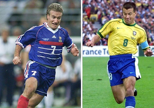 Deschamps e Dunga, na final da Copa do Mundo de 1998.