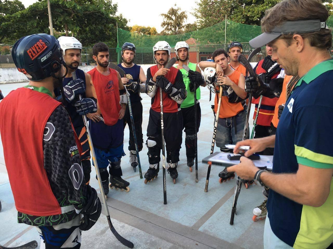 Equipe do Lokomotiv Rio conta com escolinha de hóquei para crianças e adultos