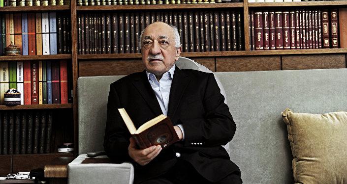 Clérigo turco muçulmano Fethullah Gulen, líder do movimento que estaria por trás da morte do embaixador russo na Turquia