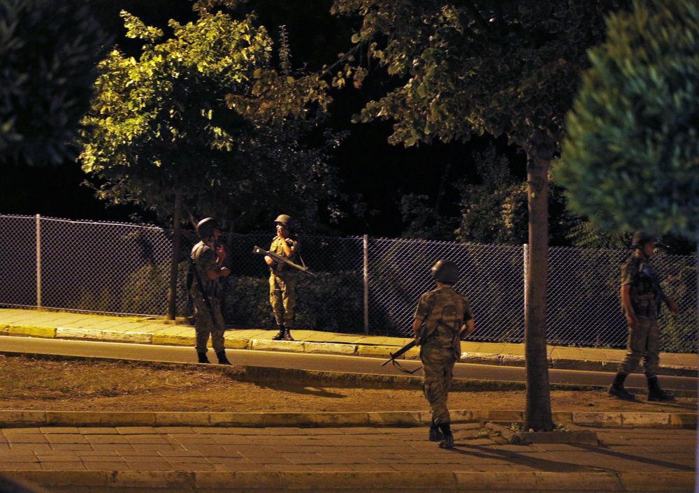 Soldados turcos no lado asiático de Istambul